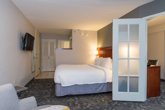 King Suite - Sleeping Area