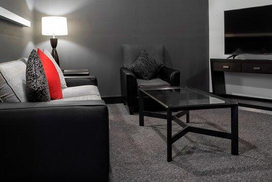 Classic Suite - Living Room