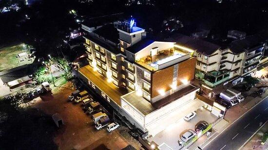 Hotel Cosmique, Hotels in Chandor