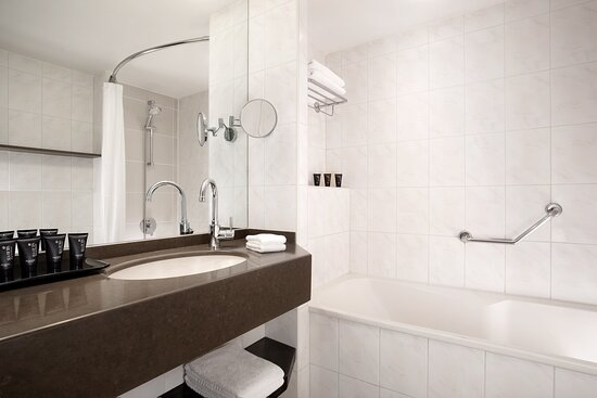 Club Guest Bathroom