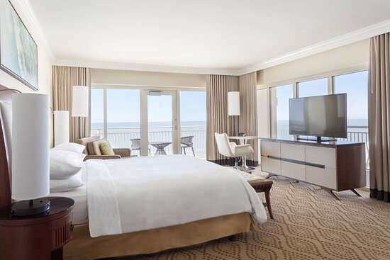 King Guest Room - Gulf Front View