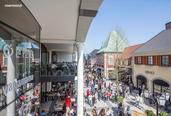 the outside of wagamama roermond