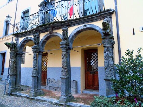 Portico Del Palazzo Comunale