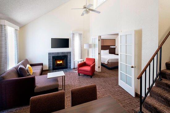 Bi-Level Penthouse Suite