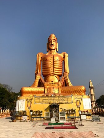 Skinny Buddha some photos Beautiful attractive one in Mandalay which is show about Buddha life history  .