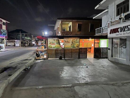 Accra, As salam down , International restaurant, ghanaian food 🥘, Ivorian dishes.