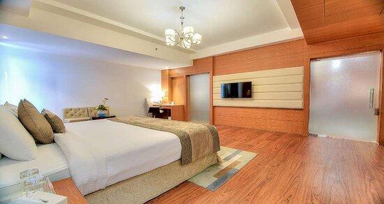 Royal Guest Suite