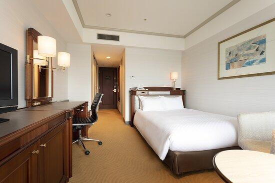 Premium Economy Class - Double Room 23m2, Bed Width: 140cm