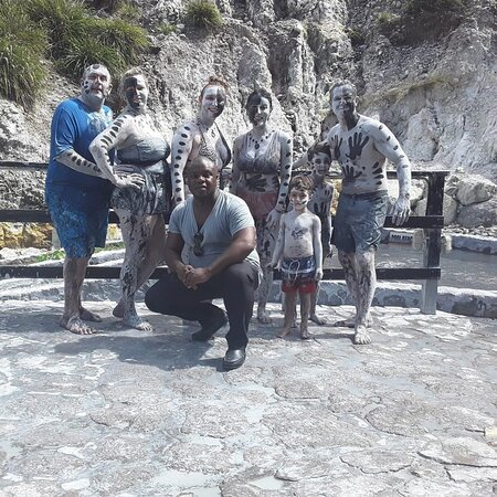 Soufriere, Σάντα Λουσία: Come with your family and enjoy the mud baths with us