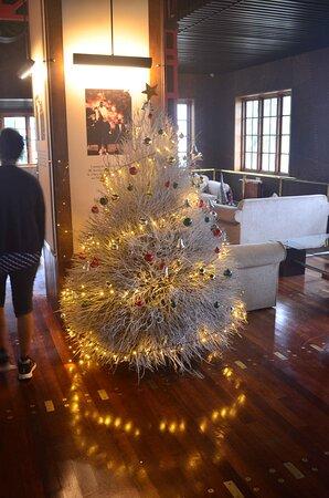 Main lobby - Warm & Christmassy