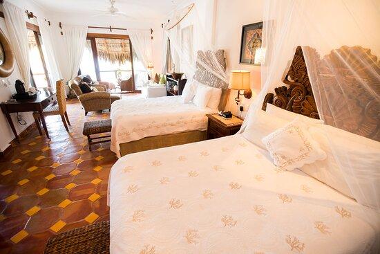 Upper Floor Jr. Suite 2Qn beds