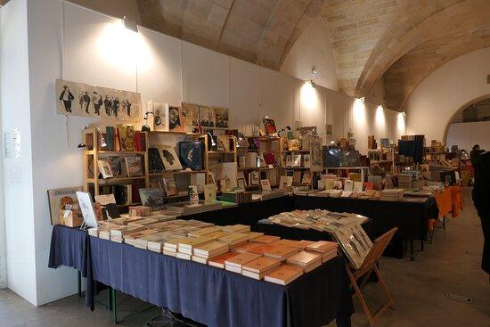 Bordeaux, Cour Mably, Salon du livre ancien