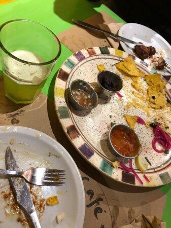 Excelente comida, precio razonable $3.500 para 4 personas (cenamos muy bien) y Lucia nos atendió muy amablemente. Seguro que volveremos.