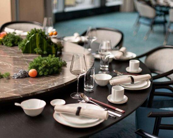 Shangri La Hotel Putian Chinese Restaurant Table Setup