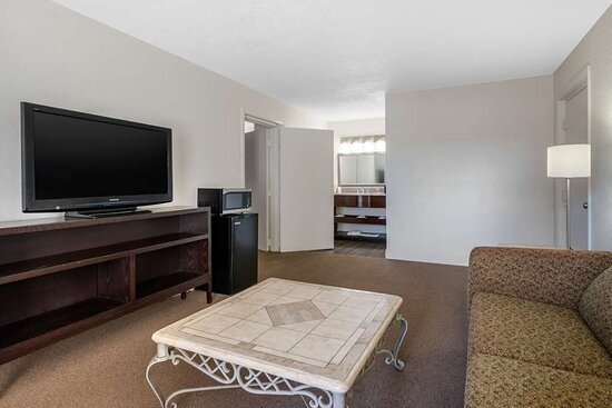 Suite with double bed(s)