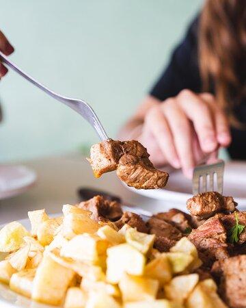 La Vespa Cocina Canaria / Carne fiesta.
