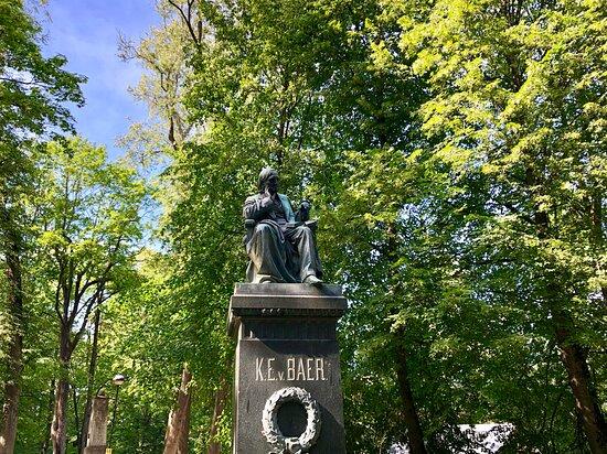 Karl Ernst von Baers monument
