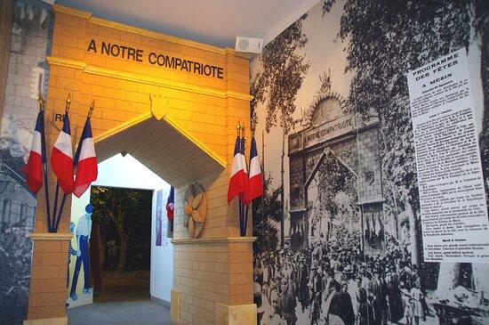Mezin, França: L'arc de triomphe qui fais référence à Armand Fallières qui a été président de la république de 1906 à 1913, qui est natif de Mézin.