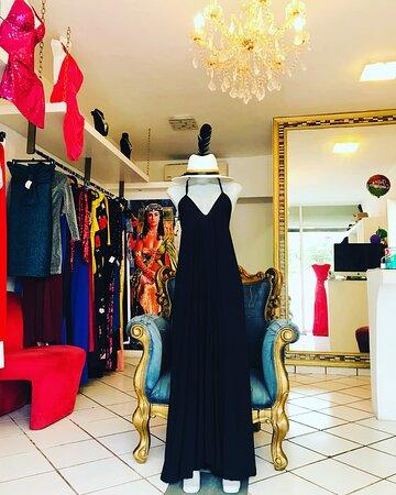 vestido exclusivo hecho por manos artesanas inspirado a las noches de tulum