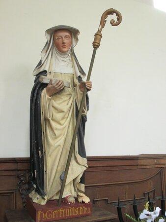 Leuven, Sint-Geertruikerk, statue