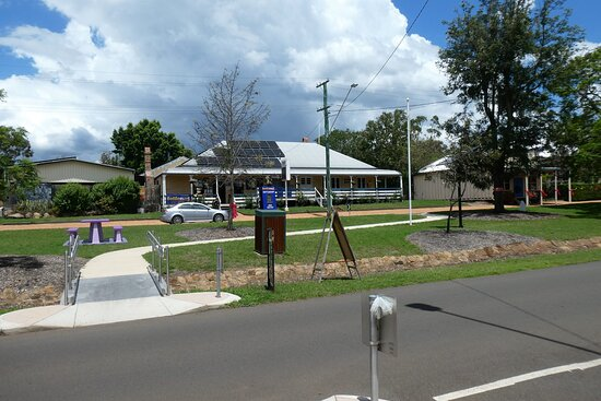 A view of the Pioneer Arms taken across the road infront of the Goombungee Antiques and Cafe.
