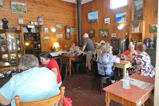 The interior of the Cafe at the Goombungee Antiques and Cafe across the road from the Pioneer Arms.   it is well worth calling in for lunch here while in town if the Pub is not offering lunches..