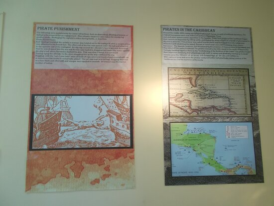 Some displays relating to the piracy in the colonial time (on the 2nd level)