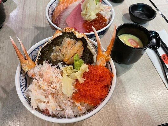 松葉蟹肉甲羅燒蟹膏丼 $128