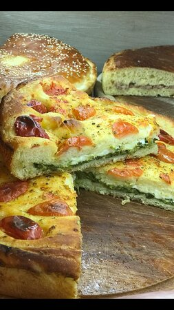 focaccia stuffed with spinacs