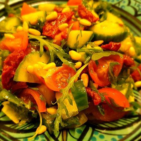 Sanawbar salad by Falafel Masters