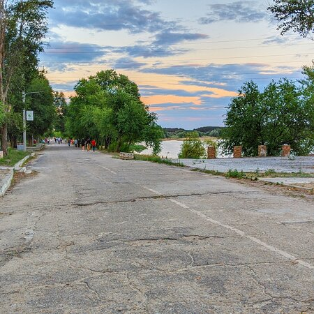 Embankment of Chyste Lake