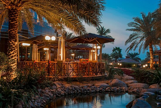 Shades - Restaurant & Bar - Terrace