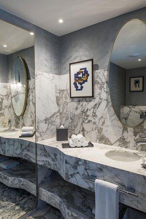 The Diamond Suite - Bathroom