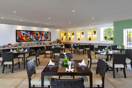 Royal Beach Club Lounge