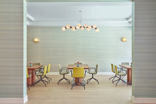 Concierge Lounge - Work Space