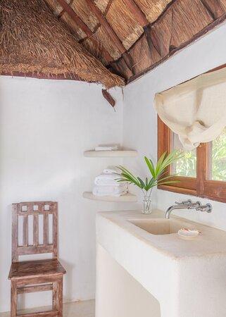 Casita Agave ensuite bathroom - wash basin area