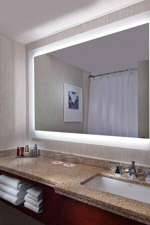 King Executive Guest Room - Bathroom