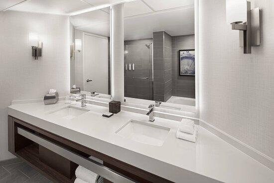 Bi-Level Suite - Bathroom