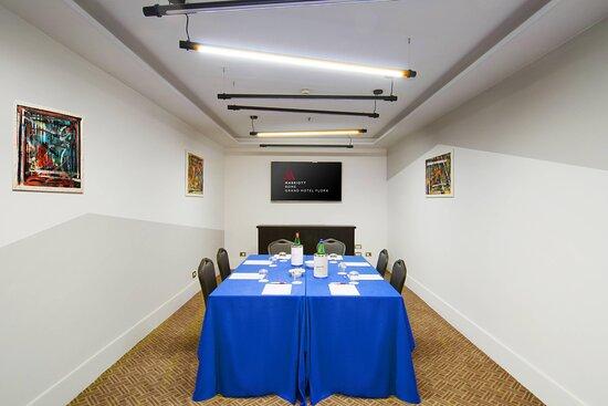 Glory Meeting Room