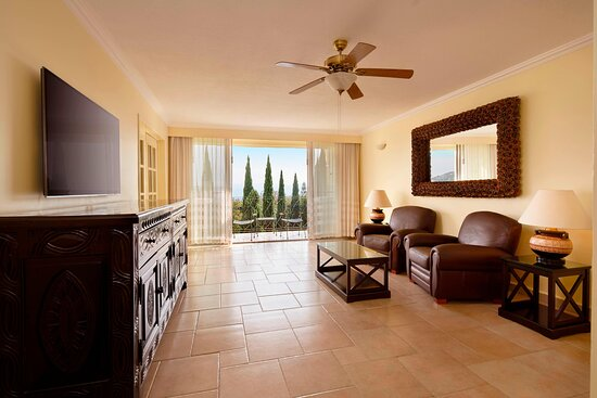 One-Bedroom Larger Suite - Living Room