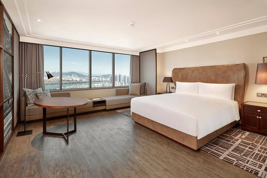 King Deluxe Spacious Guest Room - River View