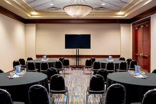 Michigan Meeting Room - Banquet Setup