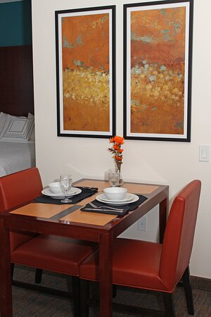 Studio Suite – Dining Area