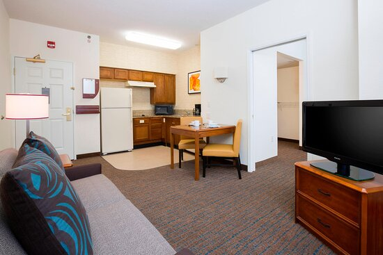 Accessible One-Bedroom Suite