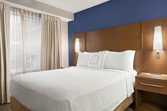 One-Bedroom Suite - Sleeping Area