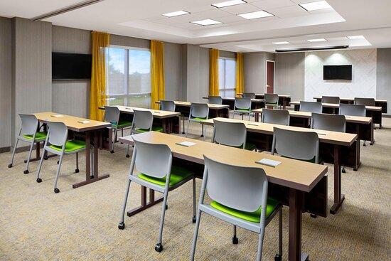 Bluebonnet Meeting Room - Classroom Setup