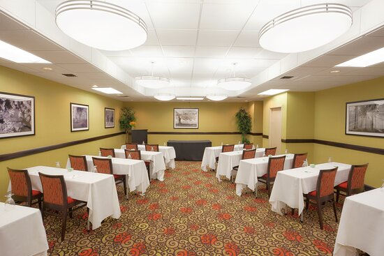 Host your next training at the Holiday Inn Portsmouth