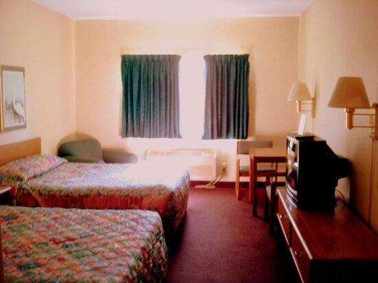 Fremont, NE: Smoking Double Bed