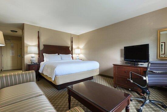 Sudbury, MA: King Guest Room