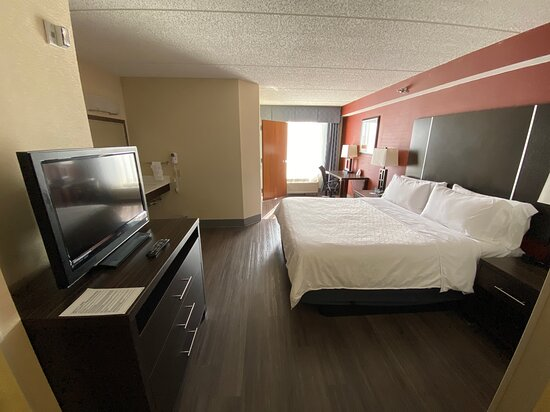 King ADA Accessible Suite